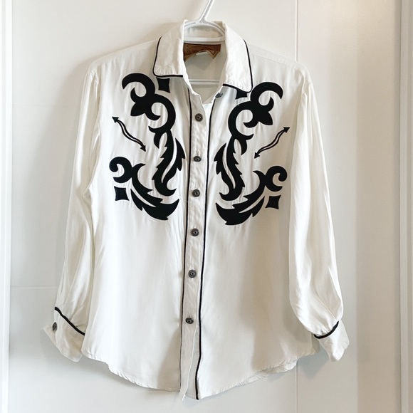 Vintage white and black western button up